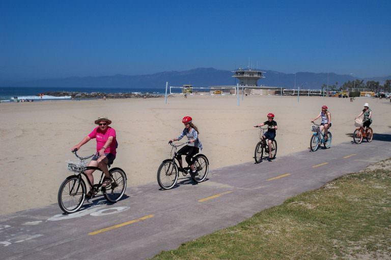 Круїзери виглядають круто, на них здорово кататися, і вони зазвичай дешевше, ніж еквівалентний дорожній або гірський велосипед