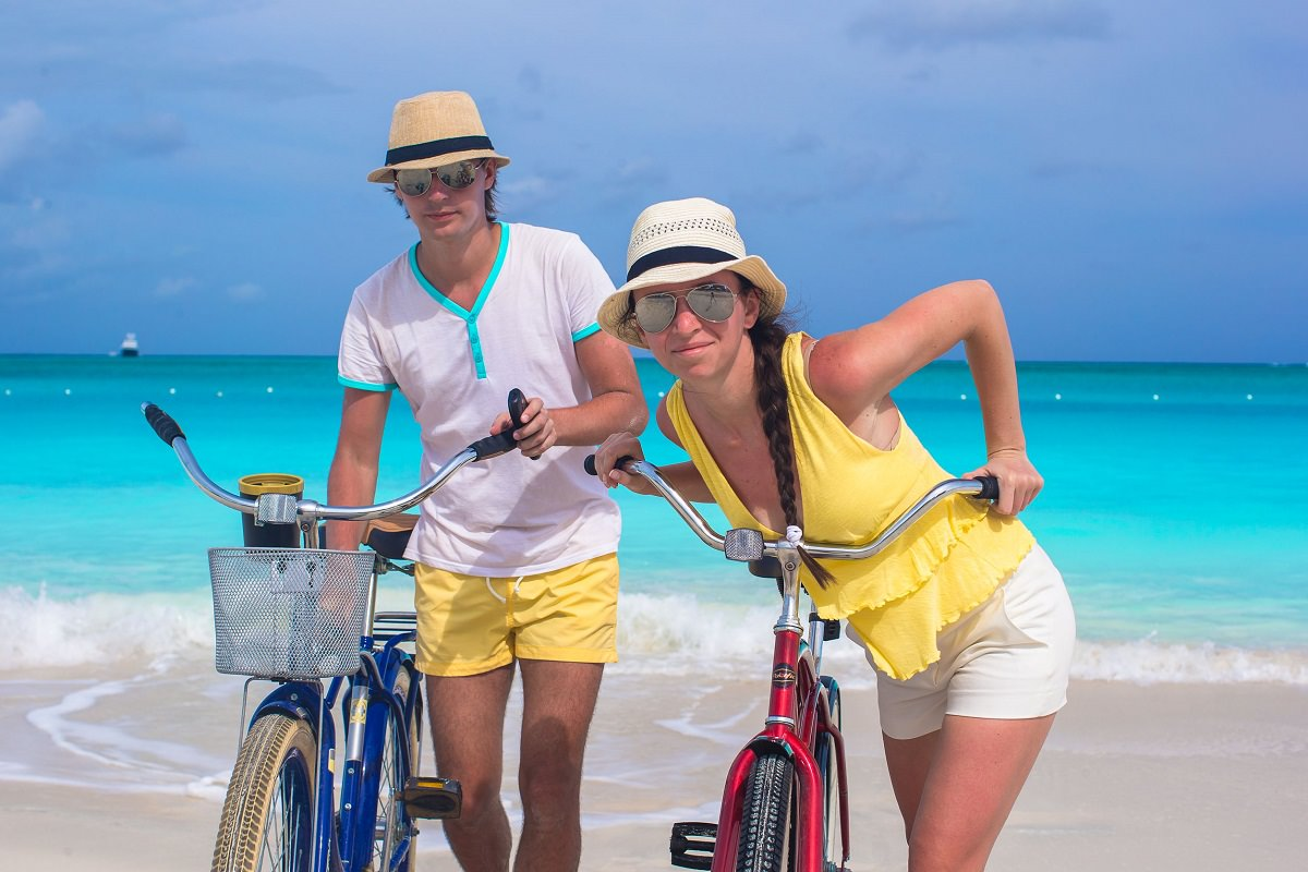 beach-cruisers-photo with 2 people